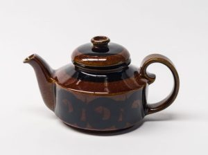 """Arabia Finland """"Soraya"""" Design Teapot"""