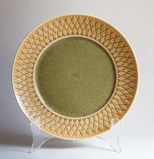 "Kronjyden Nissen, Jens Quistgaard ""Relief"" Design , Main Plate, Green Centre"