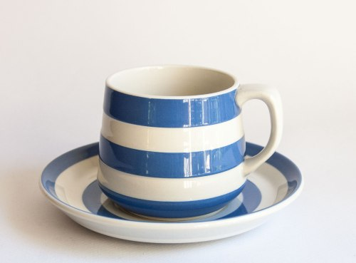T G Green Cornishware, Judith Onions Cup Shape