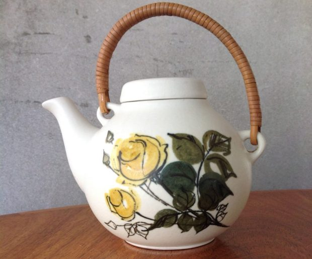 Arabia Finland GA3 Teapot, with HLA Design
