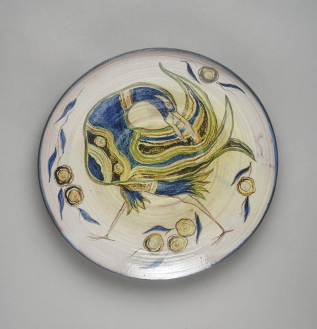 Plaque, with bird – 1980 Earthenware with underglaze decoration The Dowse Art Museum Collection. Image, Haru Sameshima